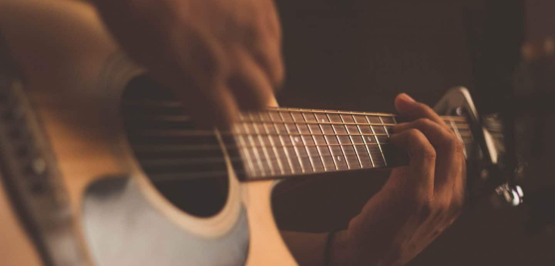 Dem Spiel der Gitarre hört fast jeder Gerne zu (c) Jefferson Santos