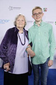 Die MarmeladenOma und ihr Enkel bei der Verleihung des Webvideopreis