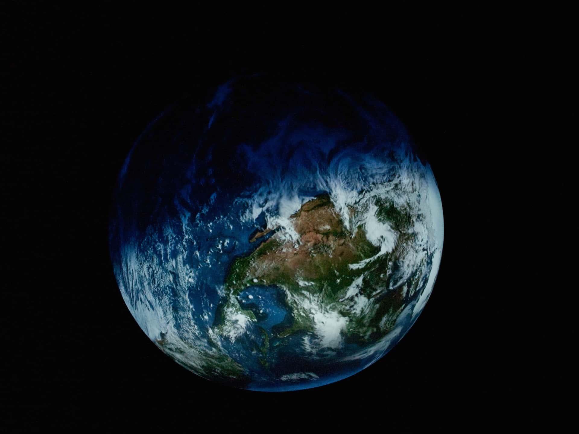 Die Installation der Erde