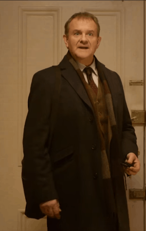 Hugh Bonneville als Mr. Brown