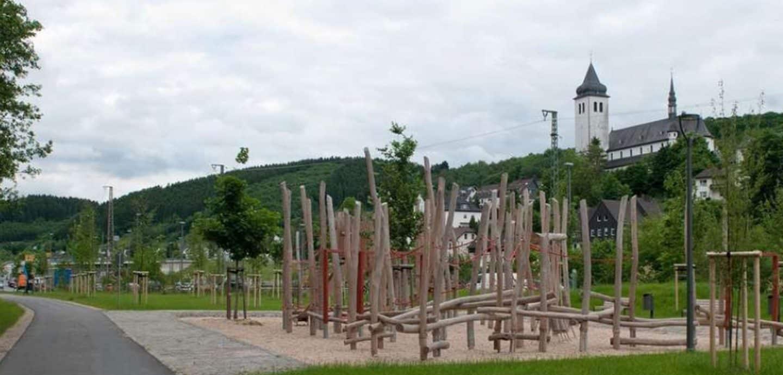 Klettergerüst im Lennepark