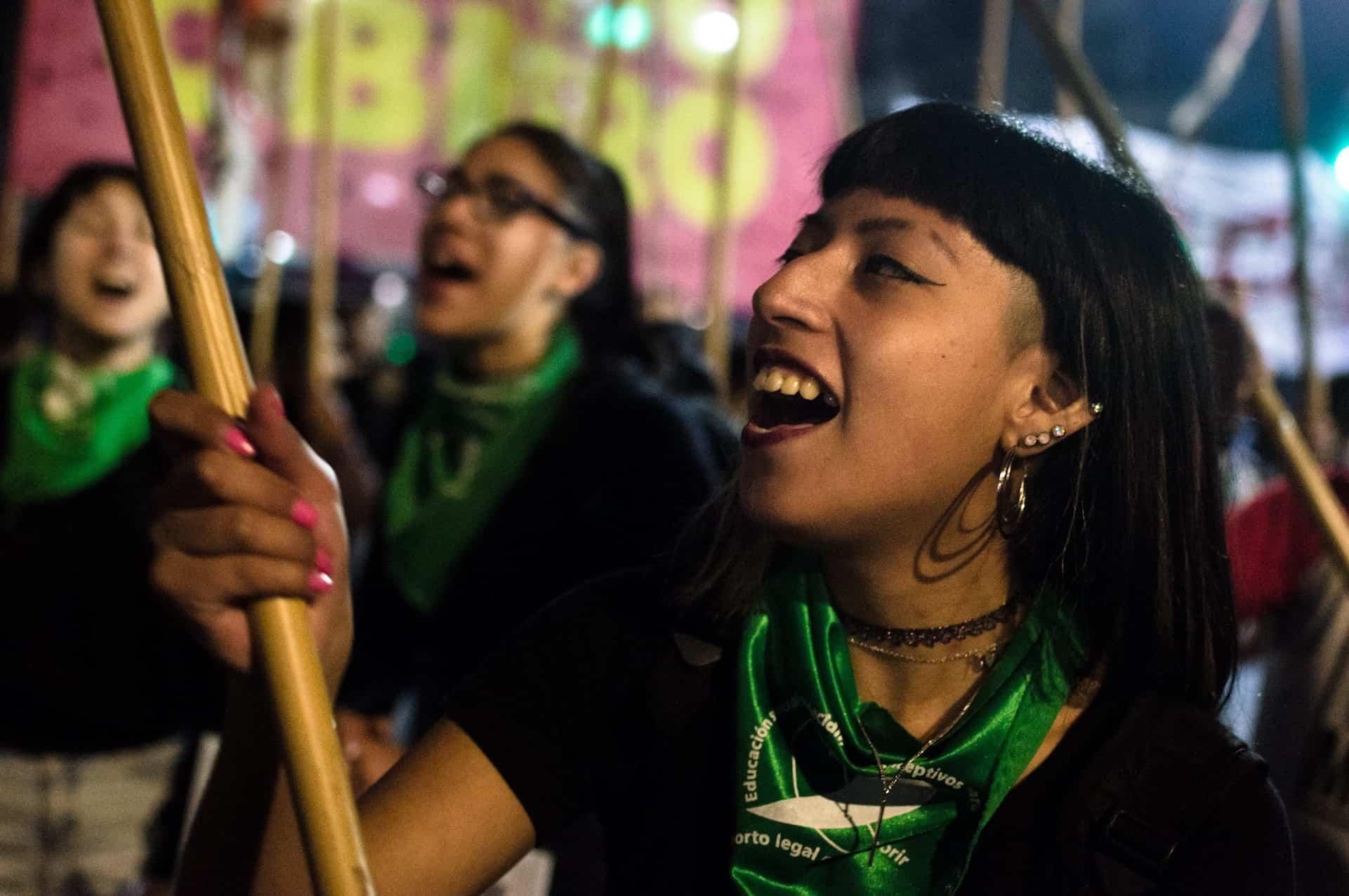 Demonstrantin für Abtreibung in Argentinien