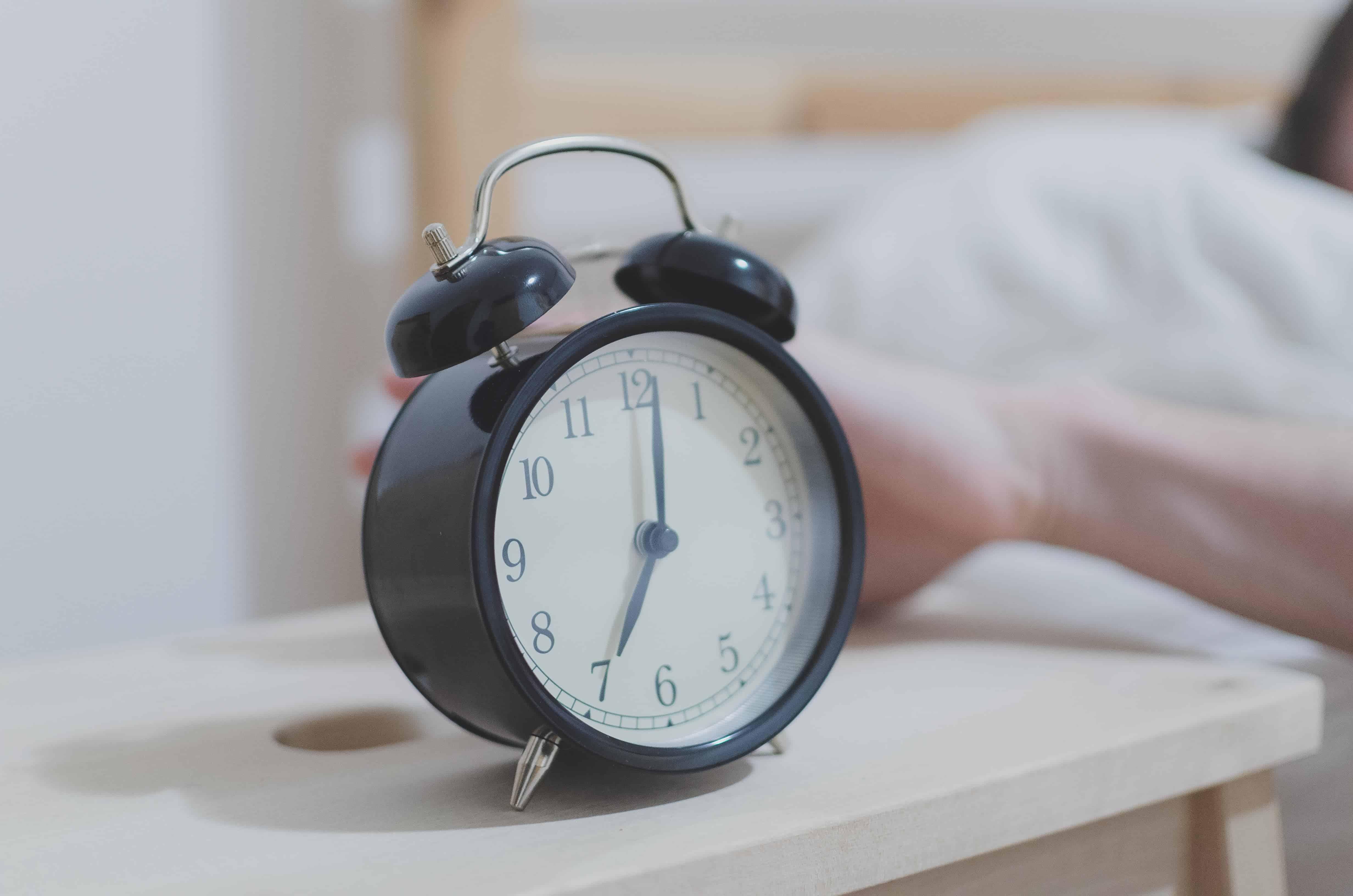 Wecker auf sieben Uhr