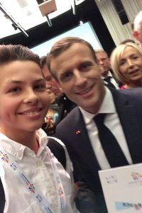 Moritz und Emmanuel Macron bei der Friedens Konferenz