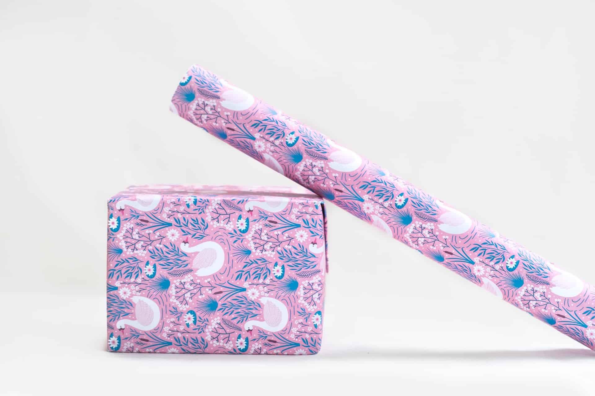 Pinkes Geschenkpapier