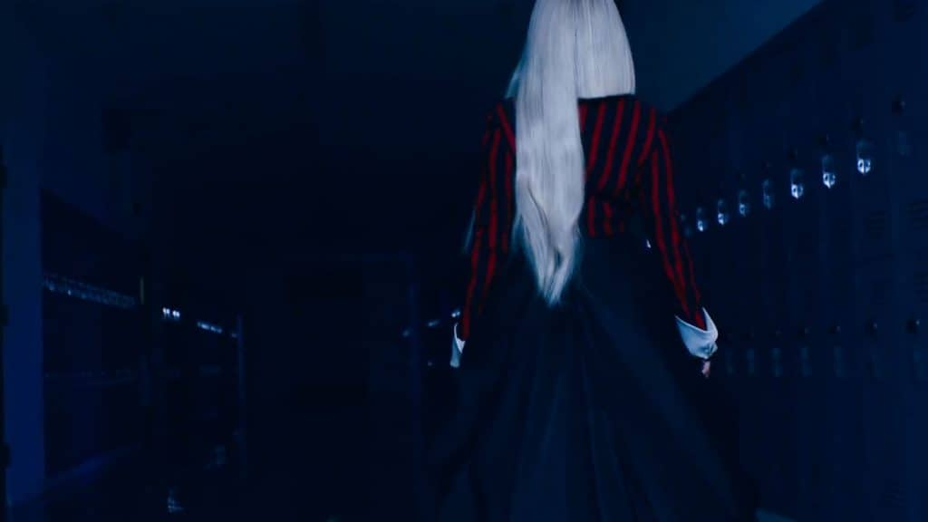 Screenshot aus dem Video von Ava Max, die für die MTV Music Video Awards nominiert ist