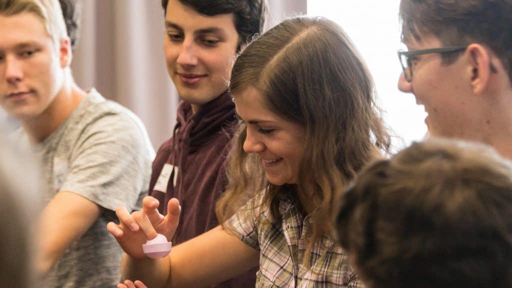 Unser Projektpartner, die Dr. Hans Riegel-Akademie, bietet jungen Menschen viele Möglichkeiten der beruflichen Weiterentwicklung.