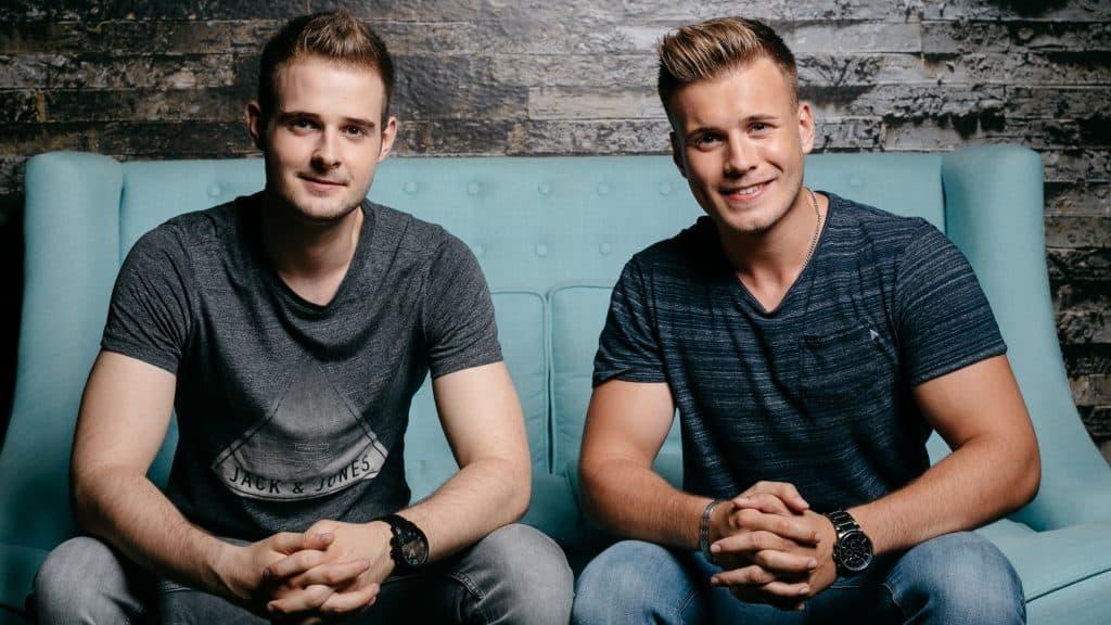 Alexander Giesecke und Nicolai Schork machen Tausende Schüler schlauer