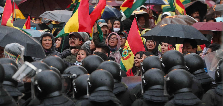 Ein unbefristeter Generalstreik legt seit Tagen den Alltag lahm, selbst die autonome Stadtverwaltung schloss sich diesem an.