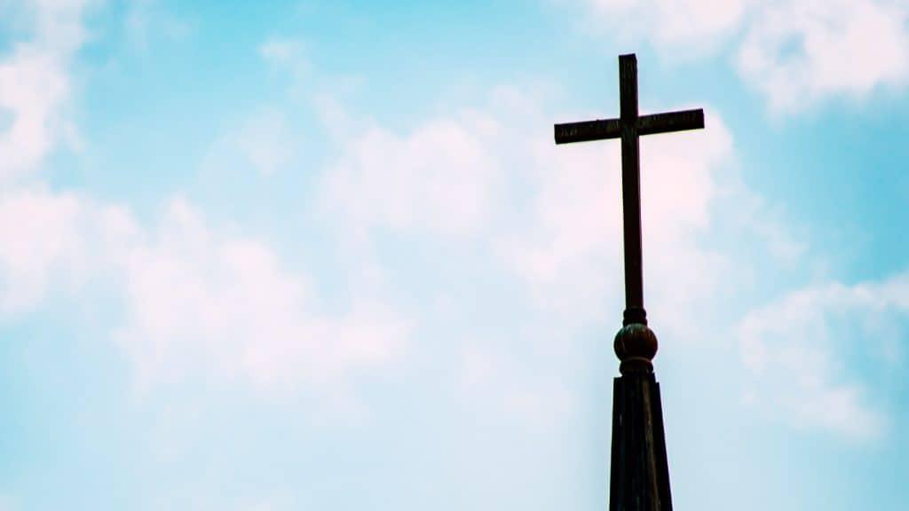 Vor allem bei jungen Menschen ist die Entfremdung von der Institution Kirche zu verzeichnen.