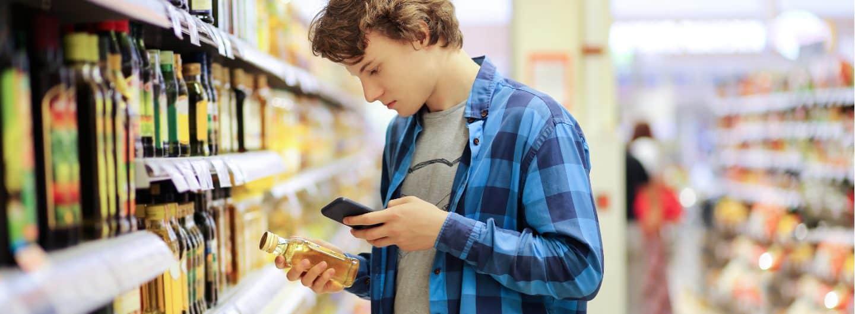 """Mithilfe der App """"CodeCheck"""" können Inhaltsstoffe von Produkten ermittelt werden, die schlecht für die Umwelt sind."""