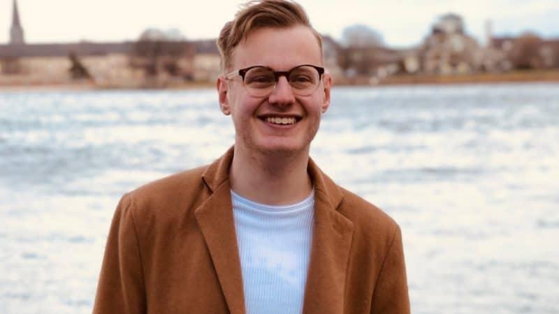Der 22-jährige Clemens Traub war selbst Teil der Bewegung. Jetzt kritisiert er sie in seinem neuen Buch scharf.